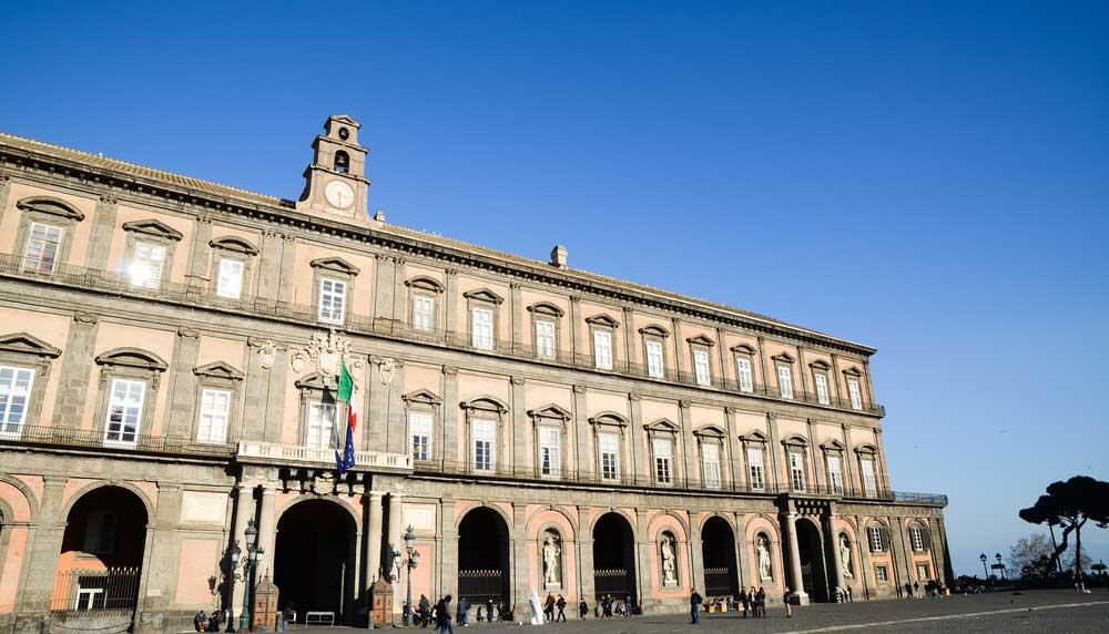 bezienswaardigheden napels: palazzo reale