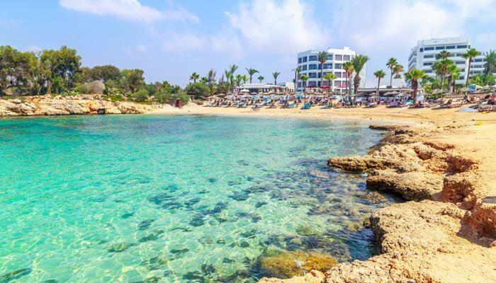 bezienswaardigheden en tips cyprus nissi beach