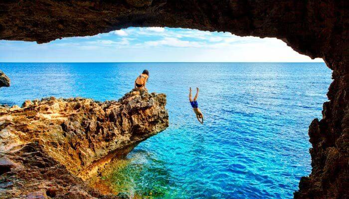 vakantiebestemmingen-met-beste-reistijd-september_cyprus_cape-greko_ayia-napa