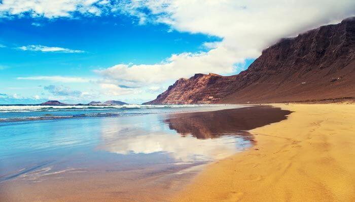 mooiste stranden lanzarote playa famara