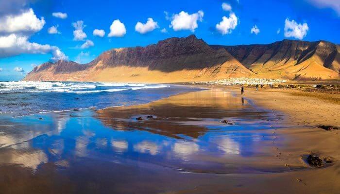 bijzondere bezienswaardigheden lanzarote playa famara
