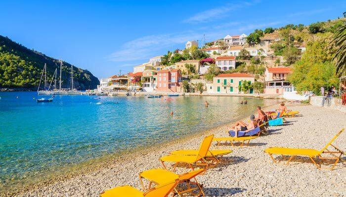 assos strand huizen griekenland