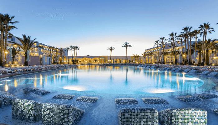 Beste Hotels Ibiza - Grand Hyatt White Island